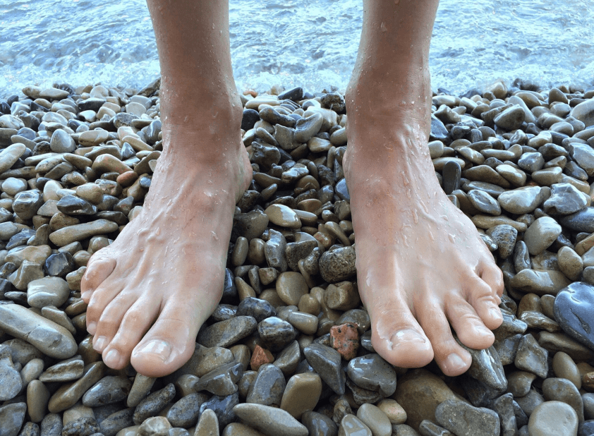 8 Ways to Keep Your Feet Healthy and Running